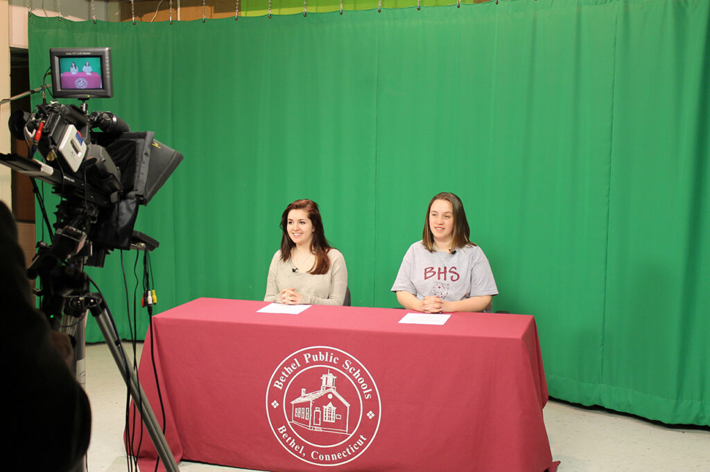 How to Stream Video School Morning Announcements & Webcasts